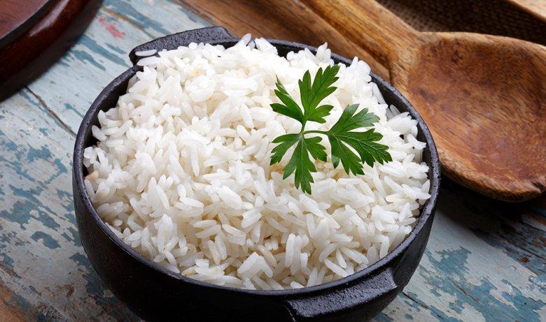 Gekochter Reis ist eine beliebte Beilage.