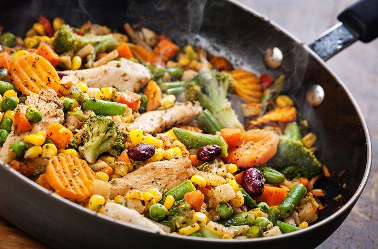 Zum Würzen von Speisen sollten vorzugsweise Kräuter verwendet werden.