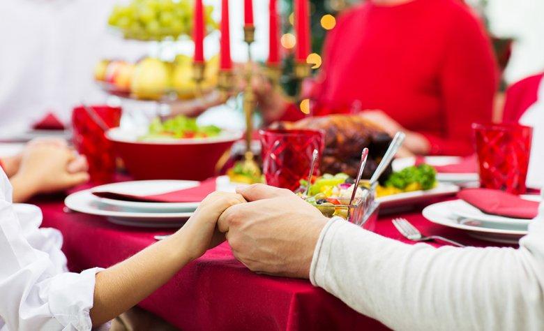 Tipps Für Weihnachtsessen.Family X Mas Tipps Für Das Perfekte Weihnachtsessen Gutekueche De