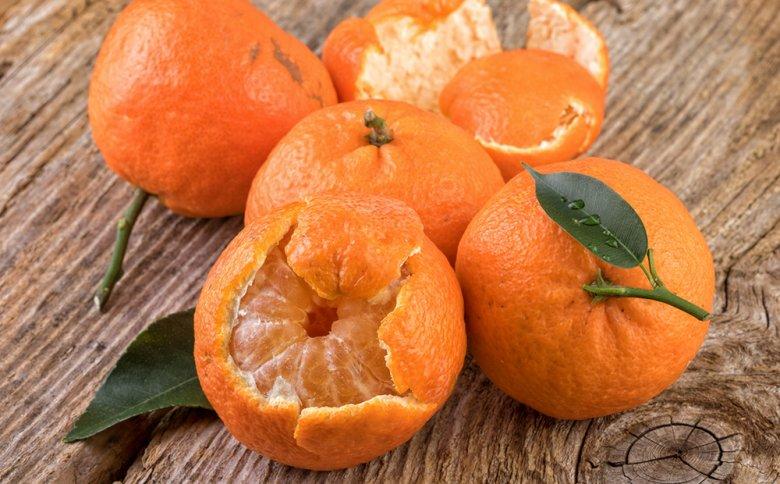Mandarinen werden am besten roh verzehrt und eignen sich als gesunder Snack.