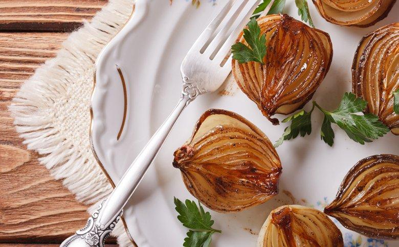 Zwiebeln können in der Küche auf vielfältige Weise zubereitet werden.
