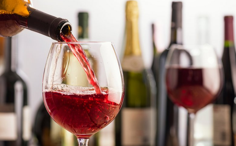 Meist dienen Rot-, Rosé- und Weißweine als Grundlage für Weincocktails.