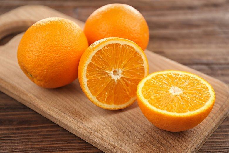 Orange ist die am häufigsten angebaute Zitrusfrucht der Welt und ist auch sehr gesund.