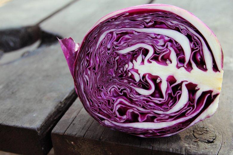 Rotkohl, Rotkraut, Blaukraut - das farbefrohe Gemüse hat viele Name.