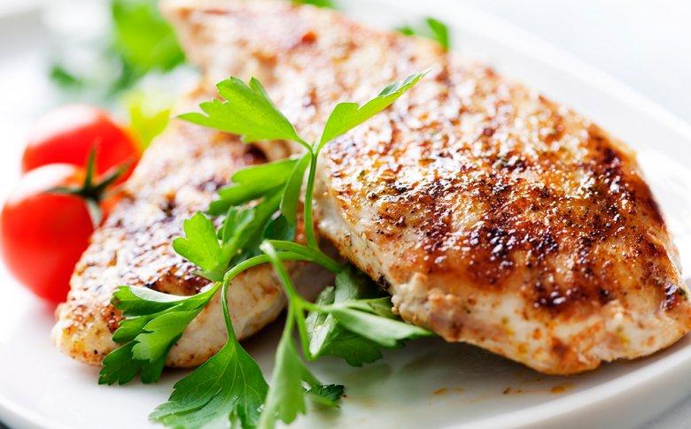 Bei der Max Planck Diät stehen vor allem eiweißreiche Lebensmittel auf dem Diätplan.