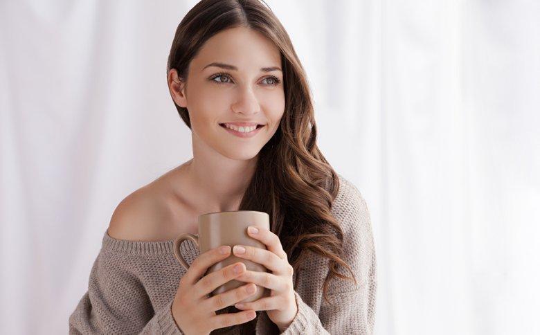 Während des Heilfastens wird auf feste Nahrung verzichtet, während Wasser, Tee, frisch gepresste Säfte und Gemüsebrühen erlaubt sind.