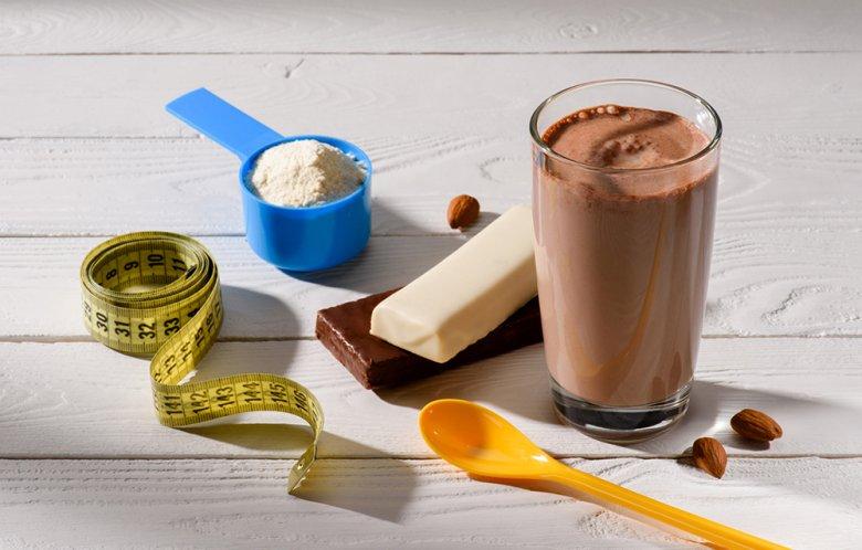 Bei der Formula-Diät werden Formula-Produkte verzehrt, beispielsweise Riegel oder Shakes.
