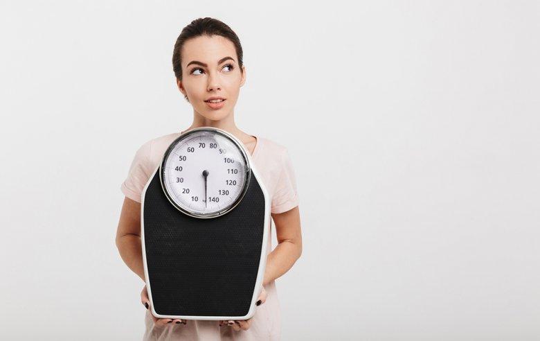 Mithilfe der Atikins-Diät können durchaus einige Kilos abgenommen werden.