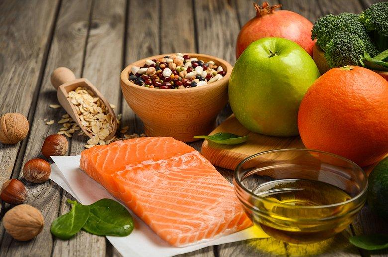 Obst, Gemüse, Hülsenfrüchte, Nüsse, Fisch sowie pflanzliches Fett sind bei der Glyx-Diät erlaubt.