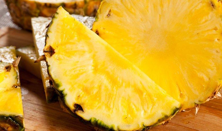 Bei der Ananasdiät ernährt man sich nur von der süßen Frucht.