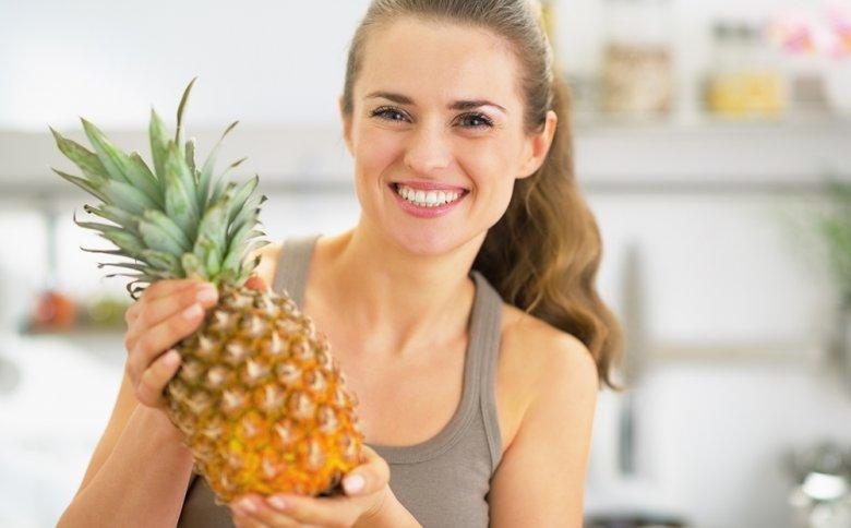 Die in der Ananas enthaltenden Enzyme sollen die Fettverbrennung anregen und die Verdauung fördern.