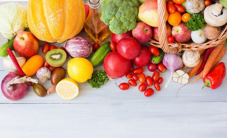 Bei der Cholesterin Diät wird auf eine gesunde Ernährung mit viel Obst und Gemüse gesetzt.