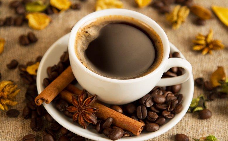 Zimt, Nelken und Kardamom verleihen dem Gewürzkaffee einen unvergleichbare Geschmacksnote.