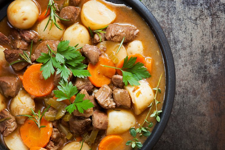Kräftige Eintopfgerichte sind typisch für die Küche Westfalens.