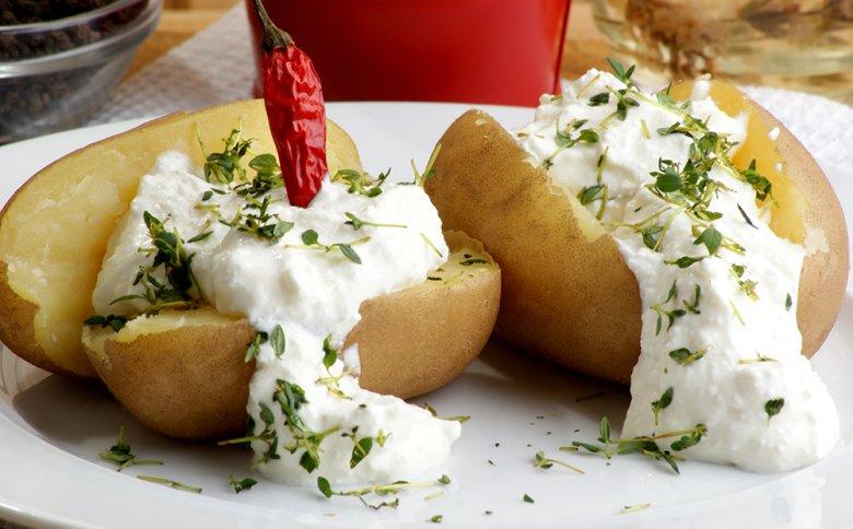 Pellkartoffeln mit Quark ist ein einfaches sowie leichtes Essen und sehr beliebt in der Pfalz.