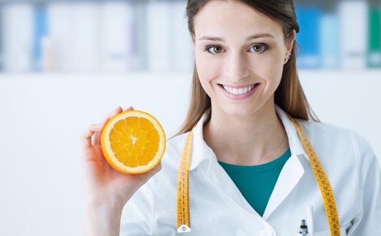 Eine kompetente Ernährungsberatung kann durchaus beim Abnehmen helfen.