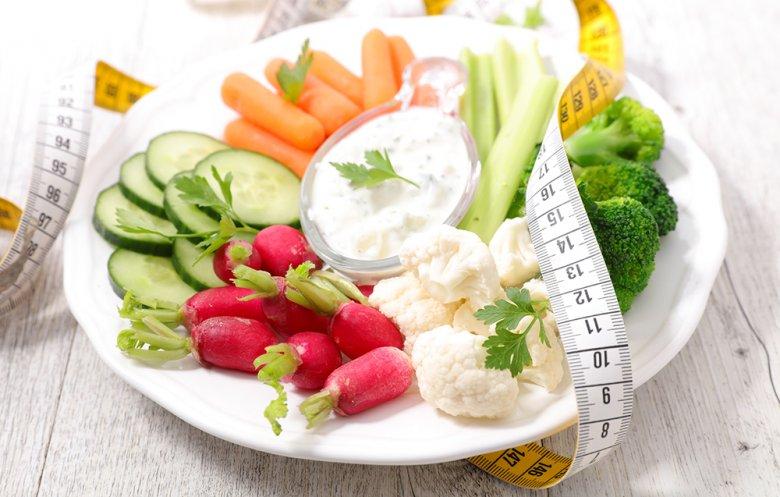 Mithilfe von gesunden Snacks können Heißhungerattacken vorgebeugt werden.