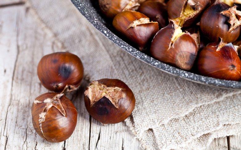 Gebratene Maroni gehören zum Herbst einfach dazu.