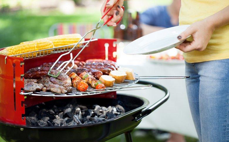 Grillen zählt vor allem in den warmen Sommermonaten zu den beliebtesten Garmethoden.