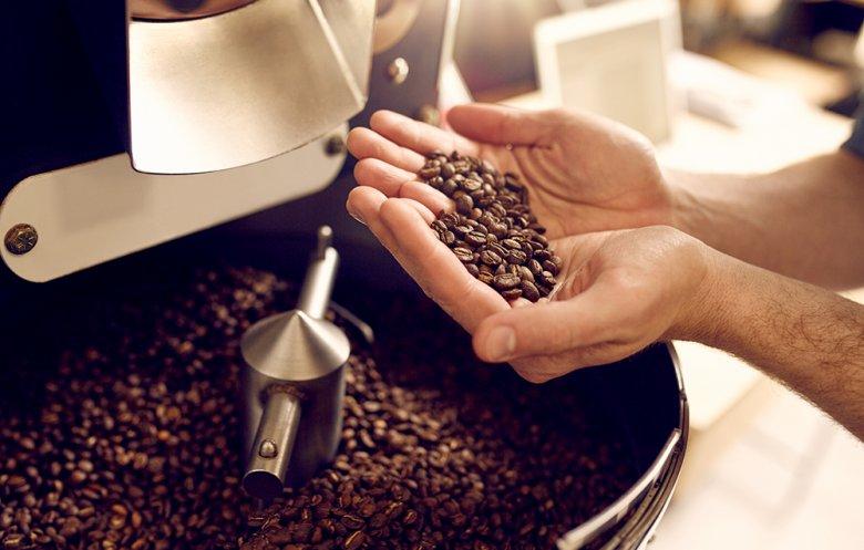 Das Rösten von Kaffeebohnen ist entscheidend für den Geschmack.
