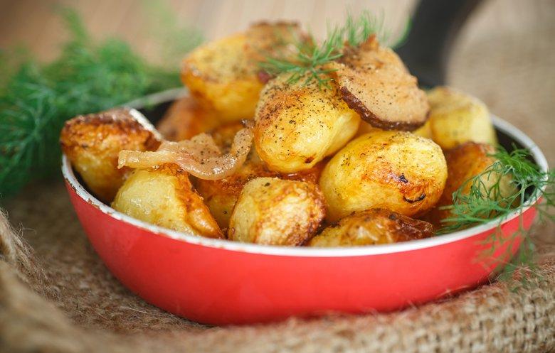 Kartoffeln erhalten durch das Braten ein köstliches Röstaroma.