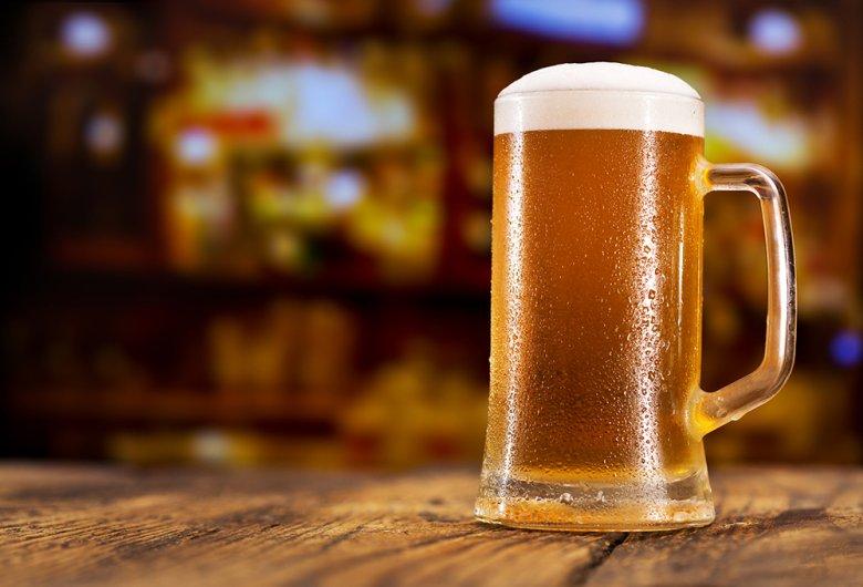 Zwickelbier, Zwickel oder auch Kellerbier genannt, ist ein ungefiltertes, naturtrübes Bier.