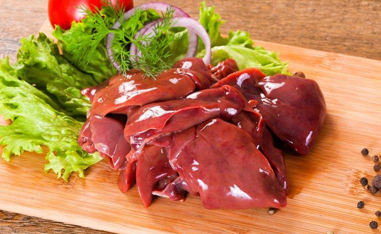 Leber ist eine Delikatesse, die zum Beispiel gebacken oder gebraten zubereitet werden kann.