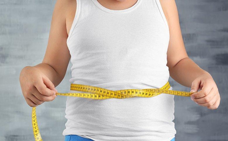 Immer mehr Kinder sind übergewichtig, die Gründe dafür können vielfältig sein.