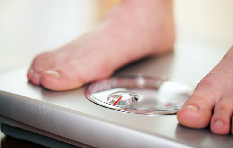 Das Körpergewicht sollte regelmäßig kontrolliert werden.