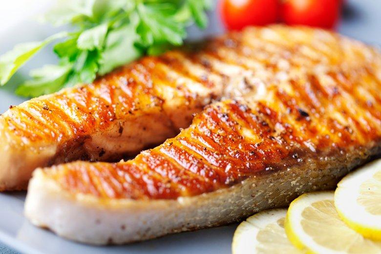 Thunfischsteaks eignen sich hervorragend als Grillgut.