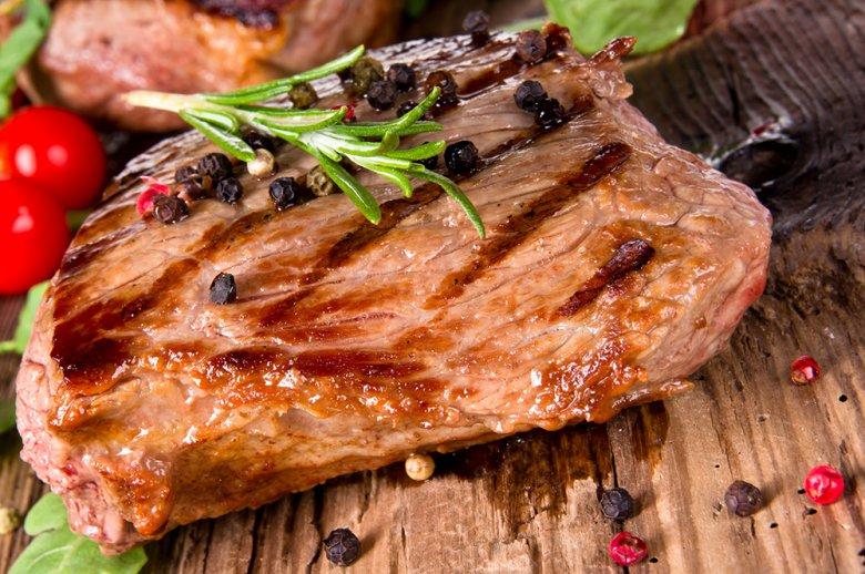 Damit das perfekte Steak gelingt, sollten einige Tipps und Tricks beachtet werden.