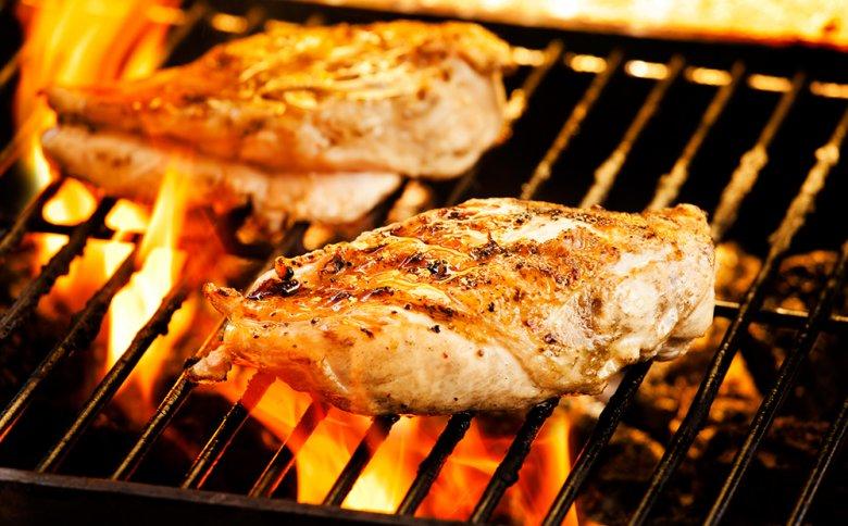 Es gibt Unterschiede zwischen dem typischen Grillen und Barbeque.