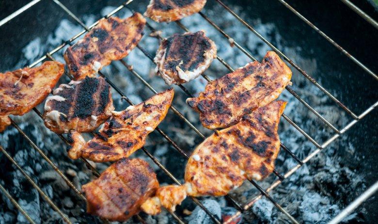 Verbranntes Fleisch enthält krebserregende Stoffe.