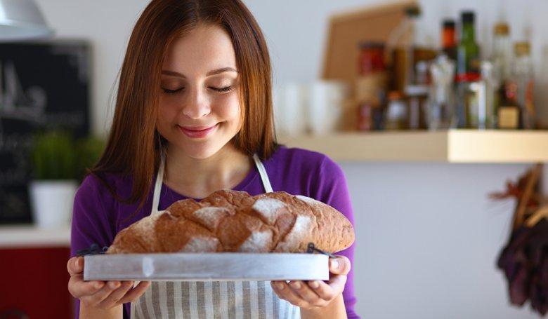 Brotbacken mit einem Dampfbackofen ist einfach und das Ergebnis köstlich.