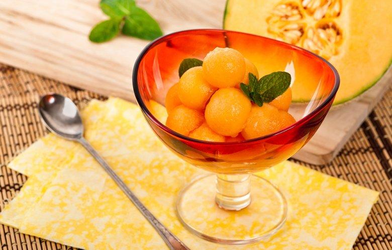 Richtig zubereitet sind Desserts mit Melonen der Renner auf jeder Grillparty.