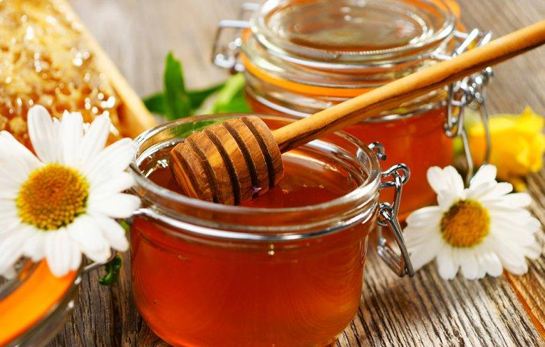 Honig schmeckt nicht nur gut, sondern ist auch sehr gesund.