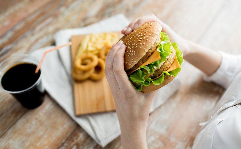 In der heutigen Gesellschaft ist die Ernährung meist zu fett- und kalorienreich.