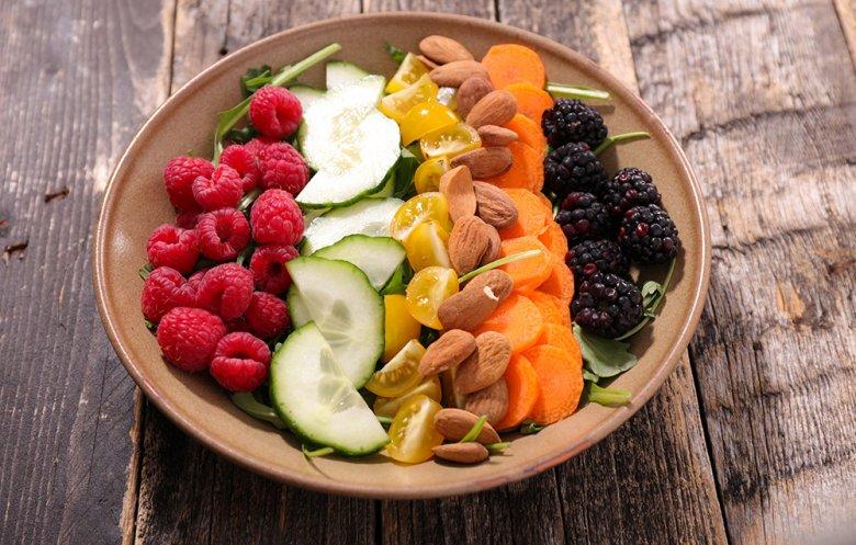 Vor allem frisches Obst und Gemüse steckt voller Vitamine.