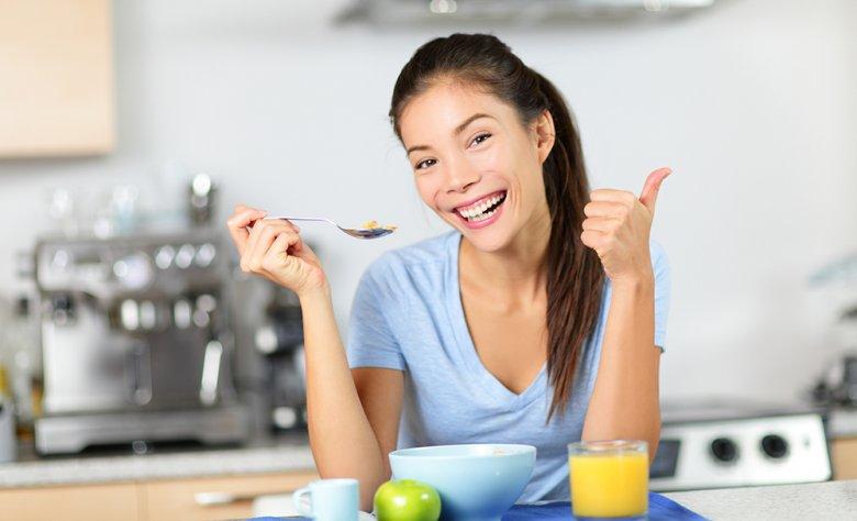 Mit Hilfe der purinarmen Ernährung kann die Ausprägung der Gicht reduziert werden.
