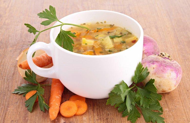 Eine leichte Gemüsesuppe ist bei einer Durchfallerkrankung empfehlenswert.