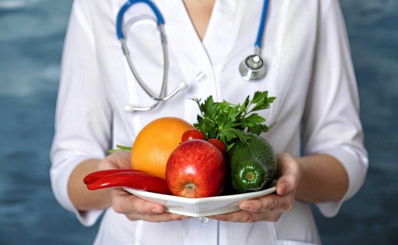 Unter anderem stellen viel Obst und Gemüse die Basis einer entzündungshemmenden Ernährung dar.