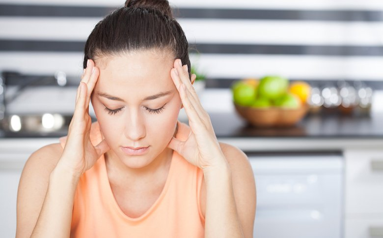 Bei einer Histaminintoleranz können unter anderem Symptome, wie Kopfschmerzen oder Bluthochdruck auftreten.