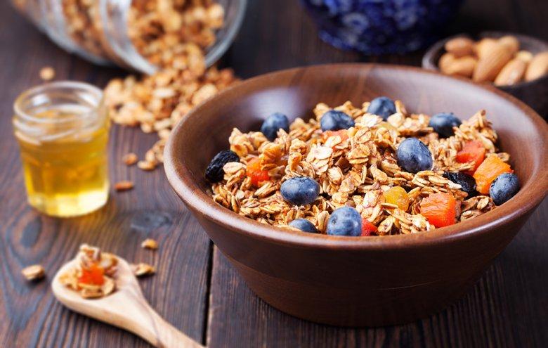 Bei einem Magengeschwür sollte auf eine ballaststoffreiche Ernährung geachtet werden.