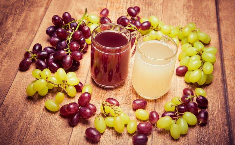 """Federweißer und Federroter sind beliebte Getränke im Herbst, die auch unter """"Neuer Wein"""" bekannt sind."""