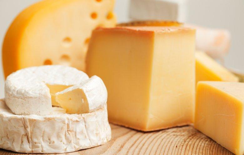 Die Redewendung, dass Käse angeblich den Magen schließt, stammt angeblich von Plinius, einem römischen Schriftsteller.