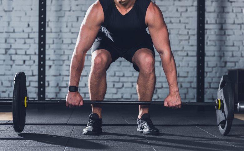 Ziel beim Kraftsport ist, Muskeln aufzubauen.