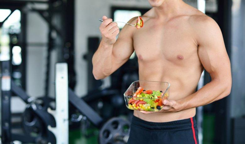 Neben dem richtigen Training ist auch die richtige Ernährung für einen sichtbaren Erfolg ausschlaggebend.