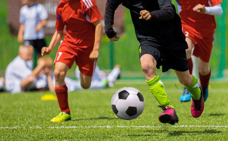 Für herausragende Leistungen auf dem Fussballfeld ist unter anderem die richtige Ernährung ausschlaggebend.