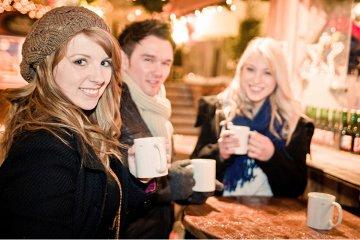 Glühwein und Punsch: Heiße Getränke gegen kaltes Wetter