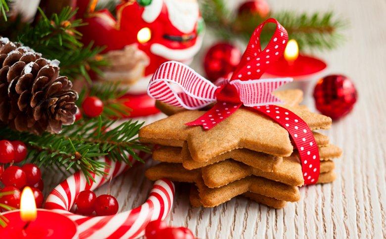 Selbstgemachtes aus der Küche, zum Beispiel köstliche Plätzchen eignen sich als ideales Geschenk.
